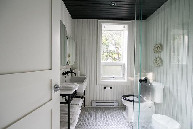 Drake-bathroom